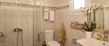 Sunrise Resort room bathroom