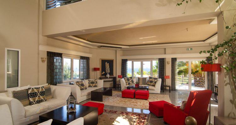 Sunrise Resort lounge
